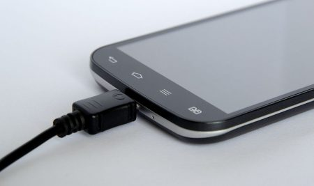 3 Reasons Why Your Phone Might Not Be Charging